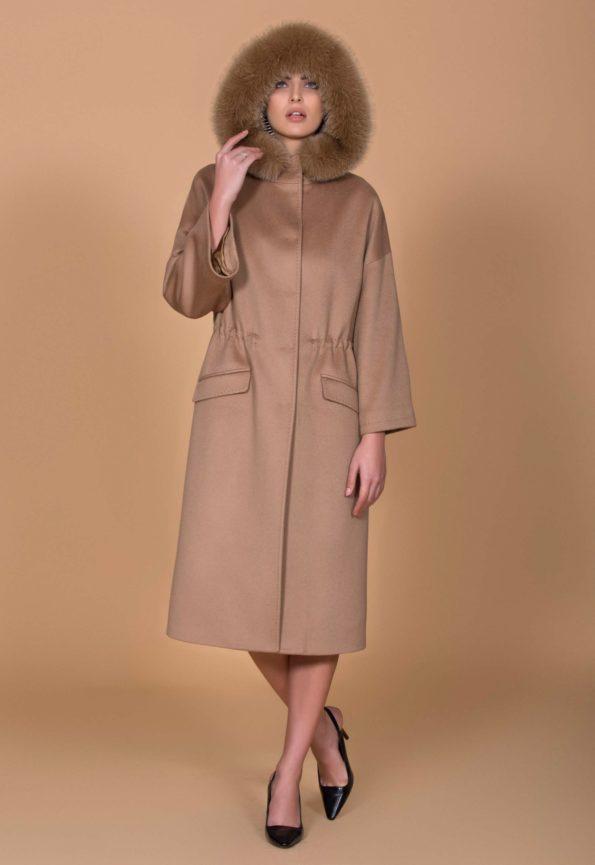 Пальто с капюшоном на кулиске