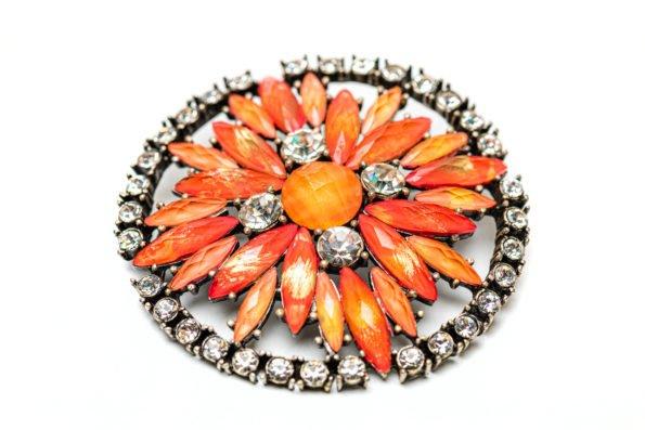 Брошь-коралловый цветок