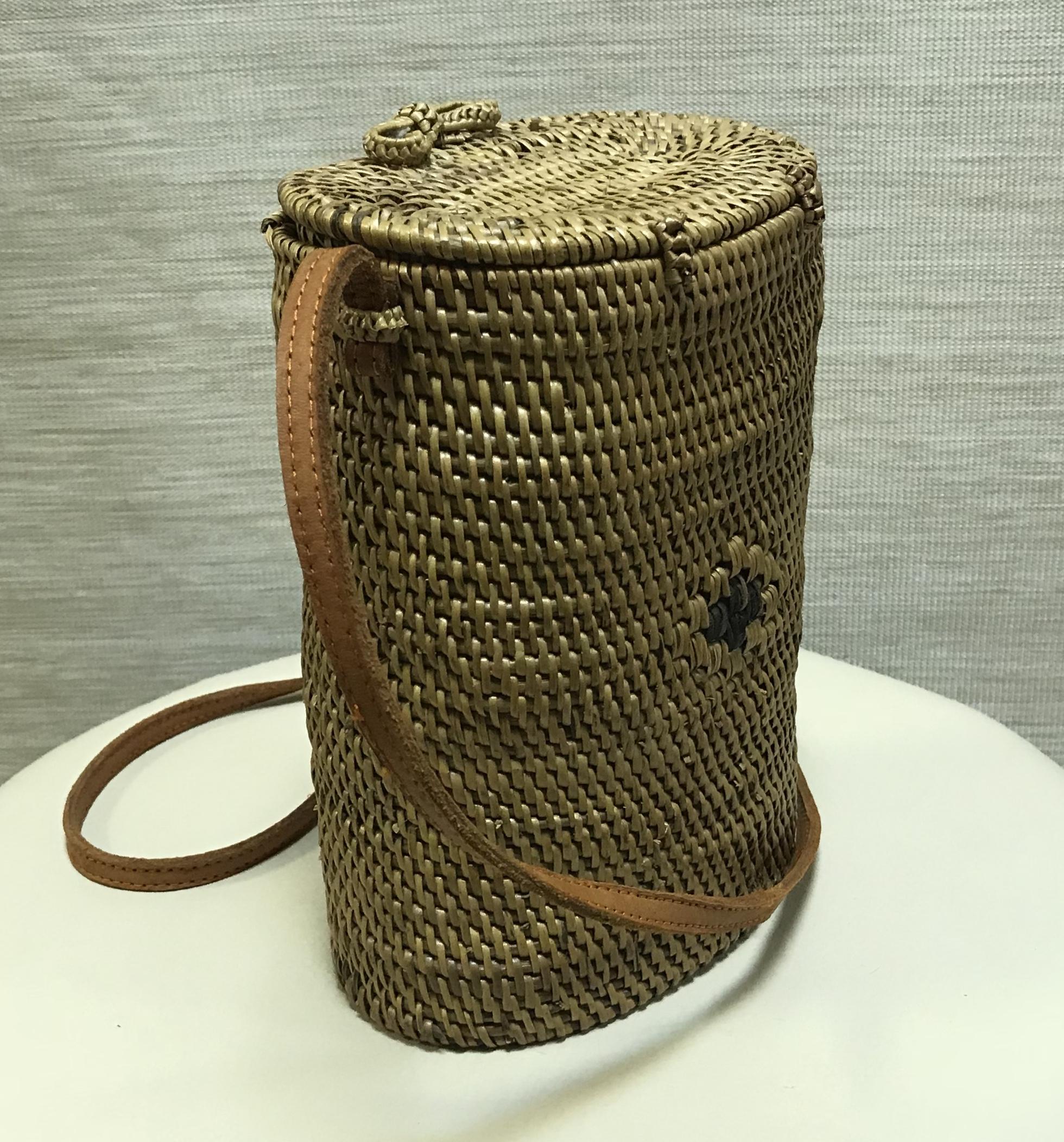 Декоративная сумка из соломки-кузовок Nui